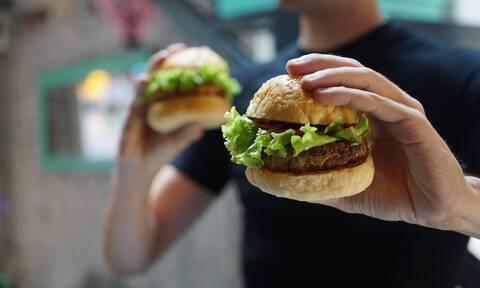 Τι να κάνετε αν το παιδί σας θέλει να τρώει συνέχεια fast food