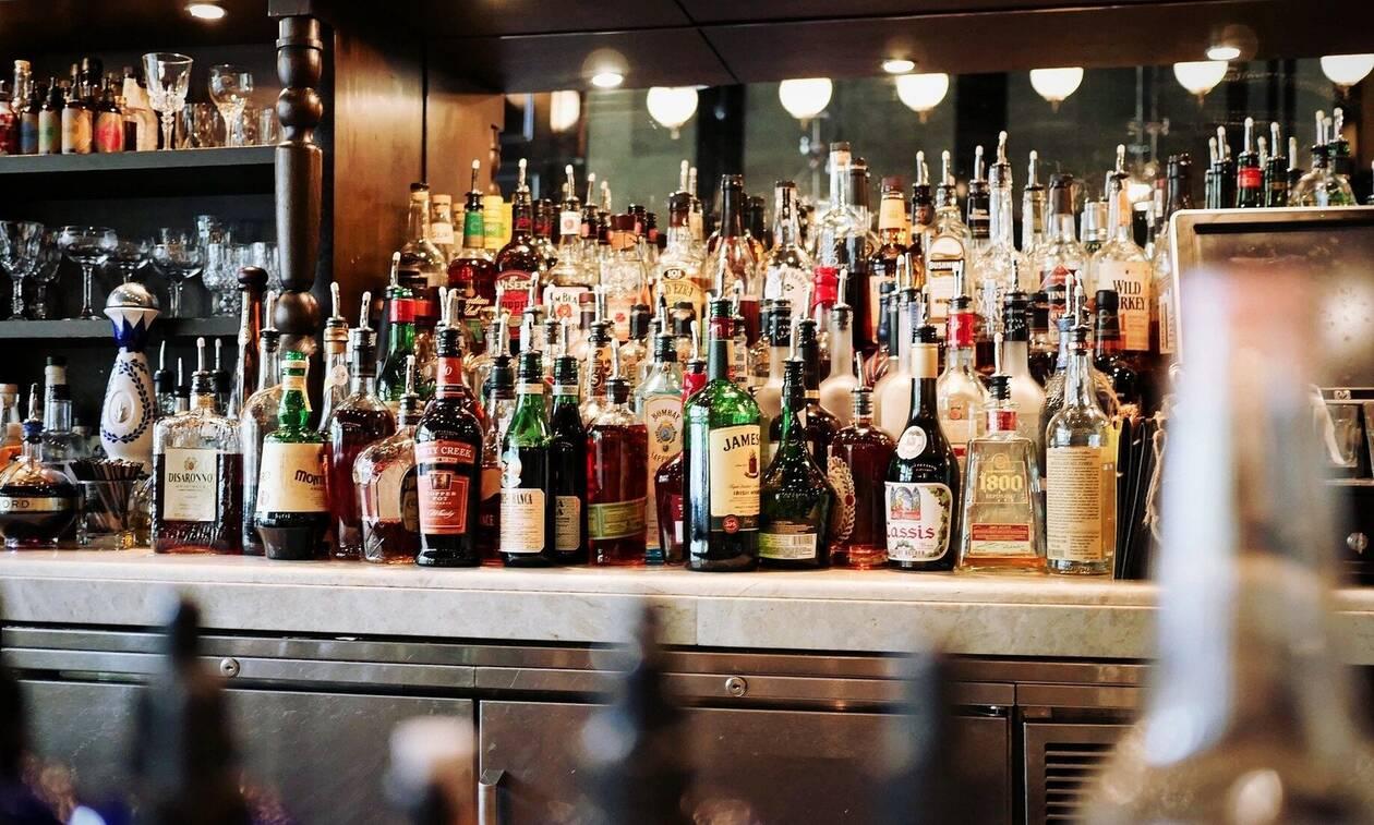 Κορονοϊός - Θεσσαλονίκη: Πάρτι σε beach bar στη Χαλκιδική η εστία διασποράς;