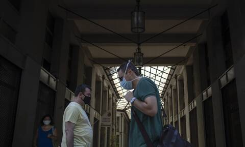 Κορονοϊός: Στα «κόκκινα» Αθήνα και Θεσσαλονίκη - «Είμαστε στο 2ο κύμα - Έρχονται νέα μέτρα»