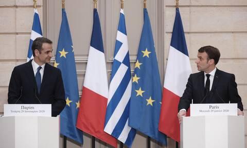 Ελληνοτουρκικά: Διπλωματική αντεπίθεση της Ελλάδας - Παρέμβαση Μακρόν και μπαράζ επαφών από Δένδια