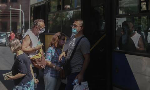 Κορονοϊός: «Υποχρεωτική χρήση μάσκας και σε υπαίθριους χώρους»