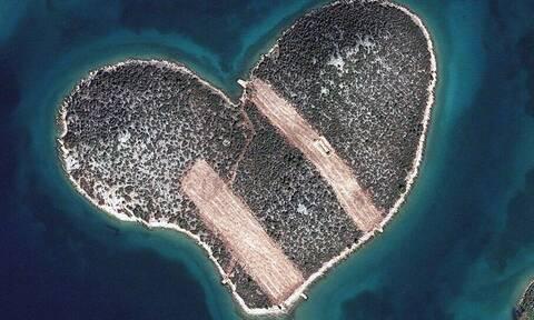 Το αποκαλούν νησί των… ερωτευμένων. Πού βρίσκεται;