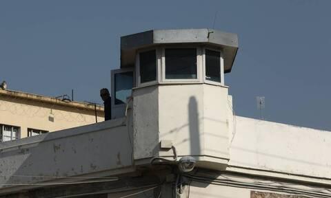Κορονοϊός: Επανέρχονται τα μέτρα του lockdown στις φυλακές