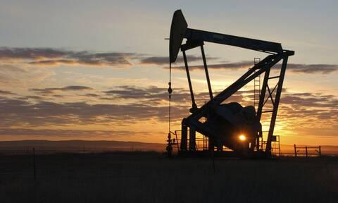 Χωρίς σαφή κατεύθυνση το κλείσιμο στη Wall Street - Απώλειες για το πετρέλαιο