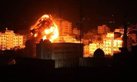 Γάζα: Το Ισραήλ απάντησε με βομβαρδισμούς στα «εκρηκτικά μπαλόνια» των Παλαιστινίων