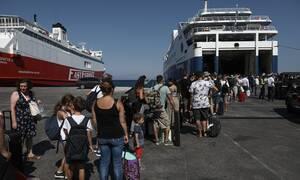 Δεκαπενταύγουστος: Αναχωρούν οι εκδρομείς - Αυξημένη η κίνηση στα λιμάνια (vid)