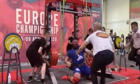 Σοκαριστικό video: Έσπασε τα γόνατα κάνοντας 400 κιλά σκουότ