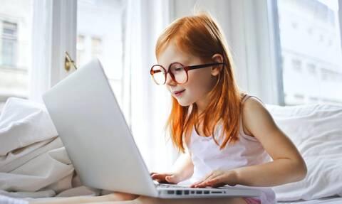 Ποια σημάδια μαρτυρούν ότι το παιδί δεν βλέπει καλά