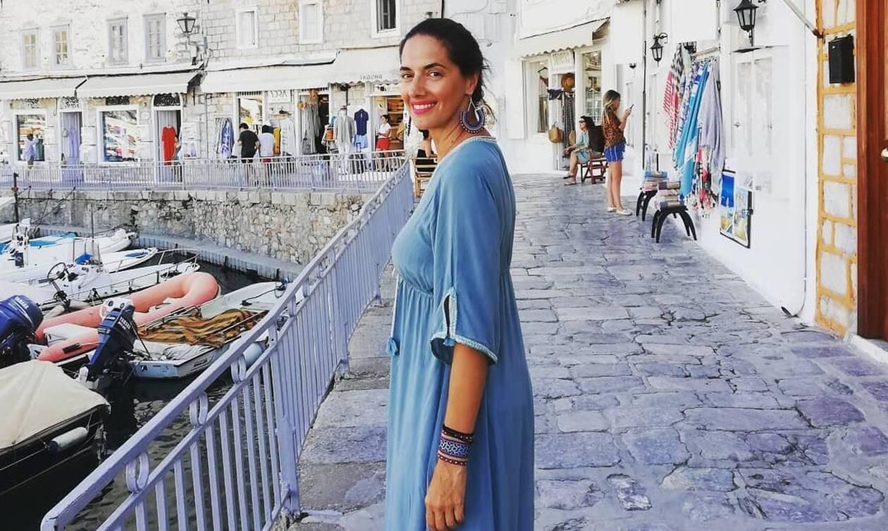 Νόνη Δούνια: Δεν φαντάζεστε τι έκανε με την κόρη της στις Σπέτσες