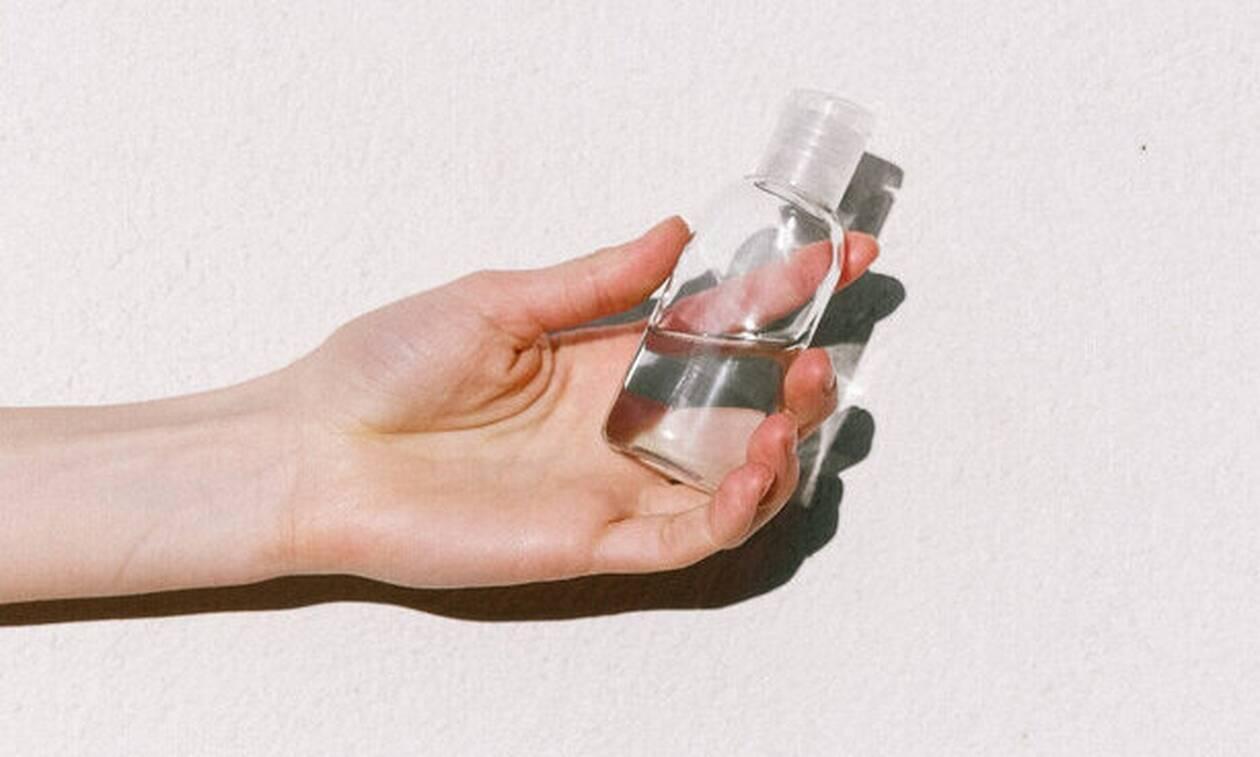 Αφυδατωμένα χέρια από το αντισηπτικό; Έχουμε τη λύση
