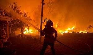 Καλιφόρνια: Οι φλόγες «καταπίνουν» τα πάντα - Συγκλονιστικές εικόνες