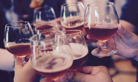 Κορονοϊός: Μπαρ και εστιατόρια - Σε ποιες περιοχές θα κλείνουν τα μεσάνυχτα