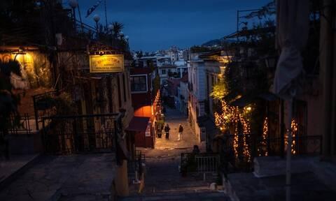 Κορονοϊός: Η χαλαρότητα έφερε νέα μέτρα - «Lockdown» σε Πάρο - Αντίπαρο, «νεκρώνει» η Αττική στις 12