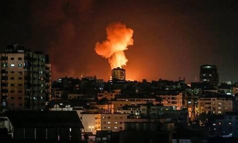 Γάζα: Νέες επιδρομές του Ισραήλ σε αντίποινα για τις επιθέσεις με «εμπρηστικά μπαλόνια»