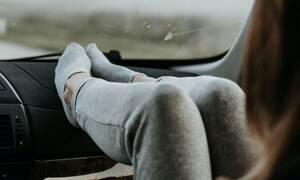 Βάζετε ως συνοδηγοί τα πόδια στο ταμπλό; Μάλλον δεν θα το ξανακάνετε…