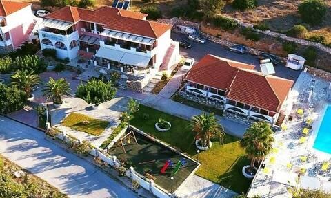 Αυτό το πολυτελές ξενοδοχειακό συγκρότημα ανήκει σε Έλληνα τραγουδιστή