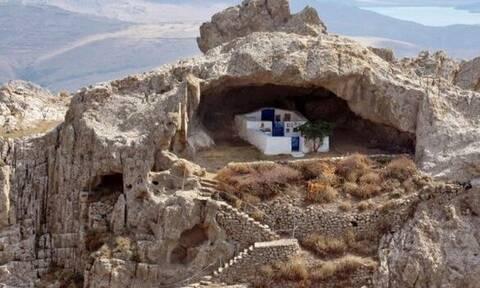 Παναγιά Κακαβιώτισσα: Η πιο εντυπωσιακή εκκλησία της Ελλάδας που δεν έχει σκεπή!