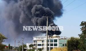 Φωτιά στη Μεταμόρφωση: Συνεχίζεται η «μάχη» με τις φλόγες - Ανησυχία για τον τοξικό καπνό
