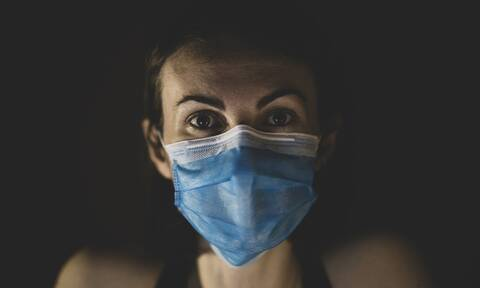 Κορονοϊός: Σε κρίσιμη κατάσταση η 17χρονη που νοσηλεύεται διασωληνωμένη