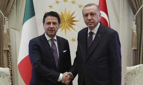 Τουρκικές προκλήσεις στο Αιγαίο: Τηλεφωνική επικοινωνία Κόντε - Ερντογάν