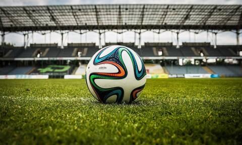 Θετικός στον κορονοϊό Έλληνας ποδοσφαιριστής: Αδέλφια μου συνωμοσιολόγοι, ό,τι κορόιδευα το λούστηκα