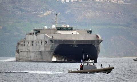 Κρήτη: Στην Σούδα και εντυπωσιακό high speed καταμαράν του ναυτικού των ΗΠΑ (pics - vid)