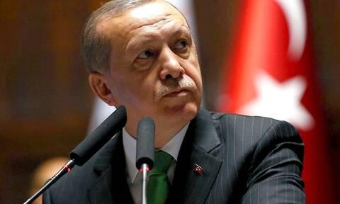 «Τελειώνει» ο Ερντογάν: «Αρμαγεδδών» χτυπά την τουρκική οικονομία