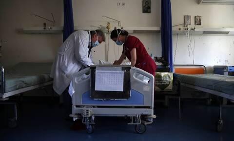 Κορονοϊός - Θεσσαλονίκη: Δoκιμάζονται οι αντοχές των νοσοκομείων