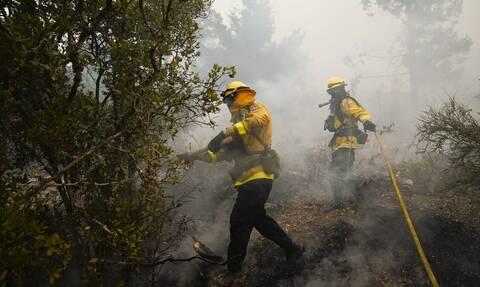 Καλιφόρνια: Δύο νεκροί στις πυρκαγιές - Δεκάδες χιλιάδες άνθρωποι εγκατέλειψαν τις εστίες τους