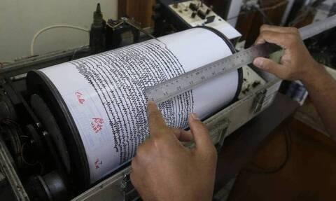 Ινδονησία: Πανίσχυρος σεισμός 6,9 Ρίχτερ