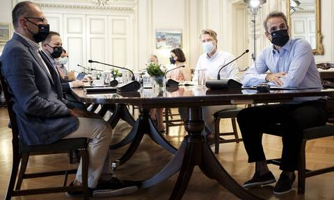 Κορονοϊός - Μητσοτάκης: Θα διαθέσουμε το εμβόλιο δωρεάν σε όλους τους Έλληνες πολίτες