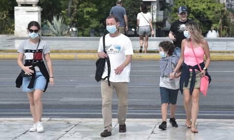 Κορονοϊός: Μάσκες σε μαθητές και εκπαιδευτικούς – Δωρεάν το εμβόλιο για όλους τους Έλληνες