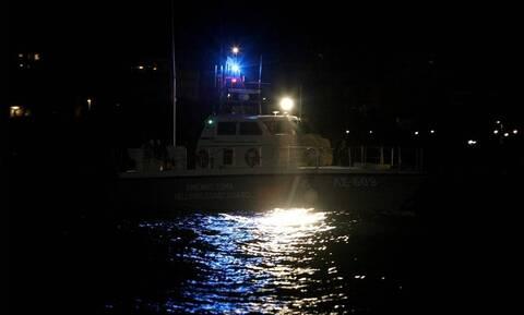 Αγνοείται βάρκα με τέσσερις τουρίστες στην Κεφαλονιά  - Έρευνες για τον εντοπισμό της
