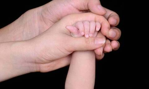 Επίδομα παιδιού Α21: Άνοιξε η πλατφόρμα για τις αιτήσεις - Πότε θα πληρωθεί η δ' δόση