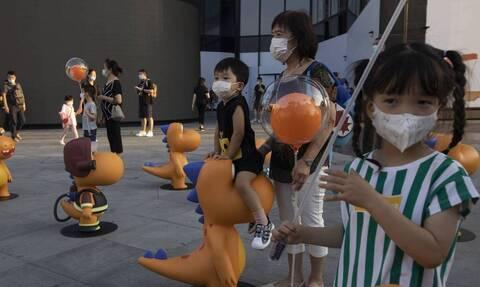 Κορονοϊός - ΠΟΥ: Τα παιδιά από 12 ετών και άνω πρέπει να φορούν μάσκα