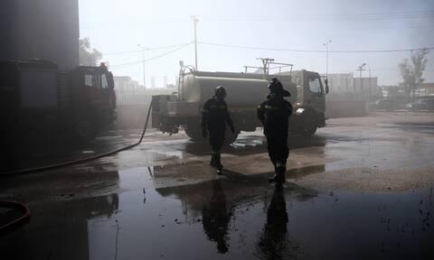 Φωτιά Μεταμόρφωση: Υδροφόρες της Περιφέρειας καθαρίζουν τους δρόμους από τα υπολείμματα της φωτιάς