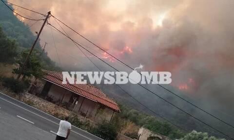 Φωτιά ΤΩΡΑ: Συγκλονιστικές εικόνες από την πύρινη κόλαση της Μάνης - Κρίσιμες οι επόμενες ώρες