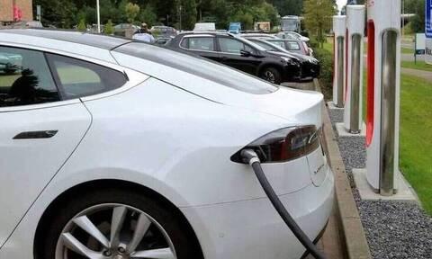 Ηλεκτροκίνηση: Πρεμιέρα αύριο Δευτέρα (24/08)-  Ποιοι δικαιούνται επιδότηση έως και 40%