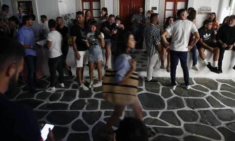 Κορονοϊός - Μύκονος: Τι κατέθεσε το ζευγάρι που πήγε στο κορονο-πάρτι με τα ναρκωτικά