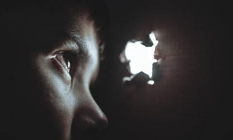 Ρόδος - Η απόλυτη φρίκη: Oμολόγησε ο 18χρονος που κατηγορείται ότι βίασε τον 13χρονο αδερφό του