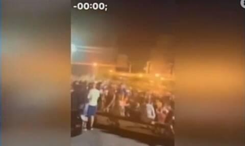 Κορονοϊός: Συνωστισμός στην πλατεία Αγίας Παρασκευής μετά τις 12 (video)
