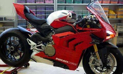 Δεν θα πιστεύεις από τι είναι φτιαγμένη αυτή η μοτοσικλέτα!