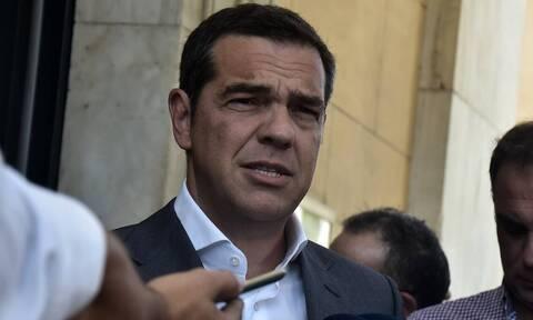 Τσίπρας: Ο Γιάννης Πουλόπουλος συνόδευσε εικόνες αγάπης, έρωτα και χωρισμού των Ελλήνων