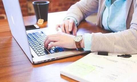 Κορονοϊός-Τηλεργασία: Έτσι θα εργάζονται οι ιδιωτικοί υπάλληλοι με καθεστώς εξ' αποστάσεως εργασίας