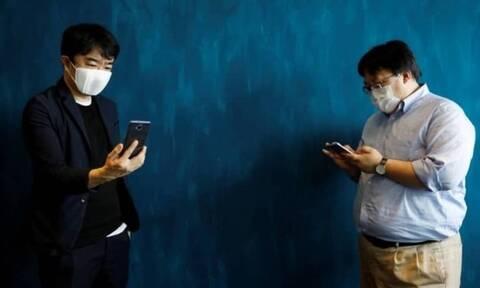 Κορονοϊός: Μάσκα κατά του ιού και... μεταφραστής (vid)
