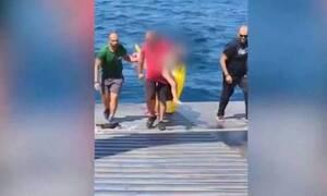 В Греции спасена 3-летняя девочка, которую на надувном круге вынесло в открытое море