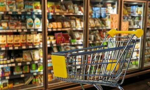 Βέλγιο: Υπεριώδης ακτινοβολία απολυμαίνει τα καροτσάκια του σουπερμάρκετ