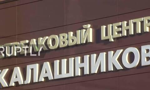 Καλάσνικοφ: Παρουσίασε όπλο που συνδέεται με το κινητό και βγάζει selfie (pics)