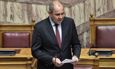 Κορονοϊός: Σε κατ' οίκον περιορισμό ο υφυπουργός Παιδείας – Συγγενής του διαγνώστηκε θετικός