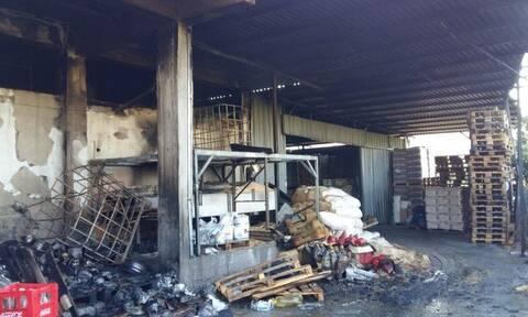 Κρήτη: Τεράστια καταστροφή από τη φωτιά σε αποθήκη επιχείρησης στα Χανιά (pics)